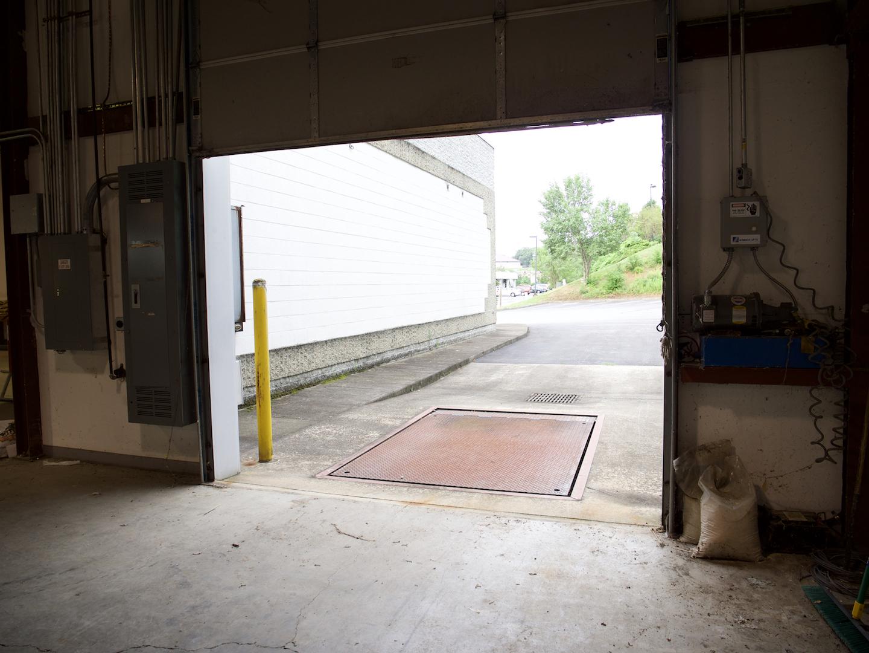 1736 N Eastman Road,Kingsport,Tennessee 37664,Warehouse w/ Office Space,N Eastman Road,1009